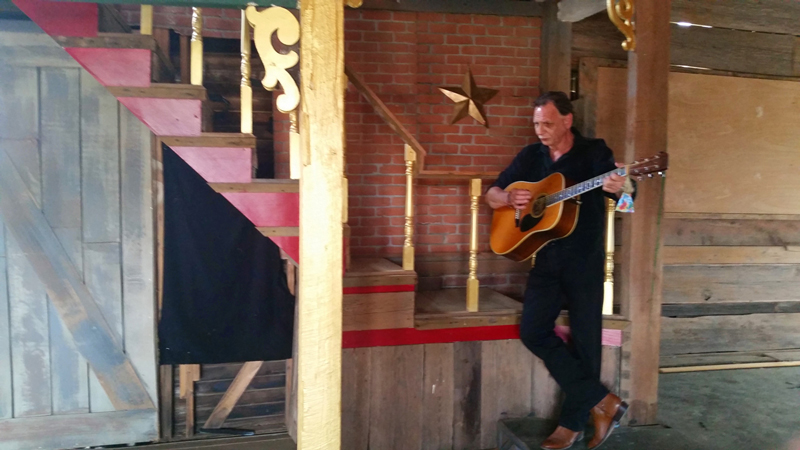 Jeff Roy, Guitar and Star