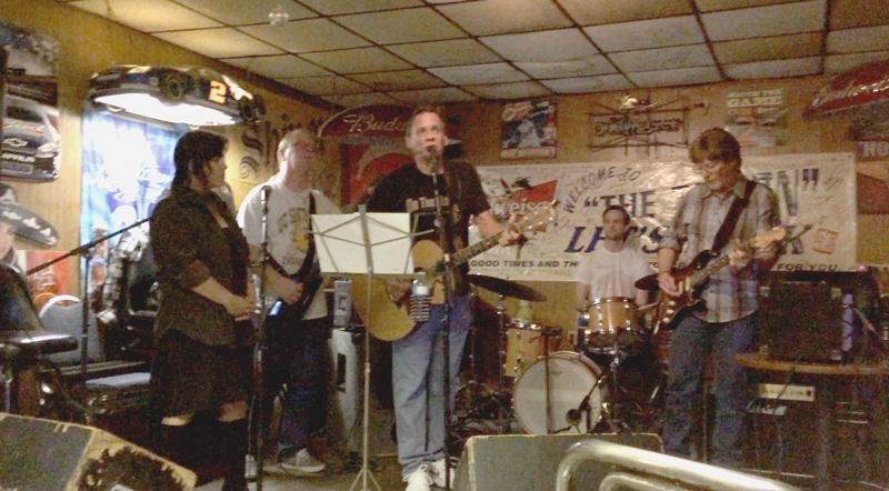 Double r Nothin' brings it home to the Riverside Tavern in Port Neches, Tx. April 19th, 2016